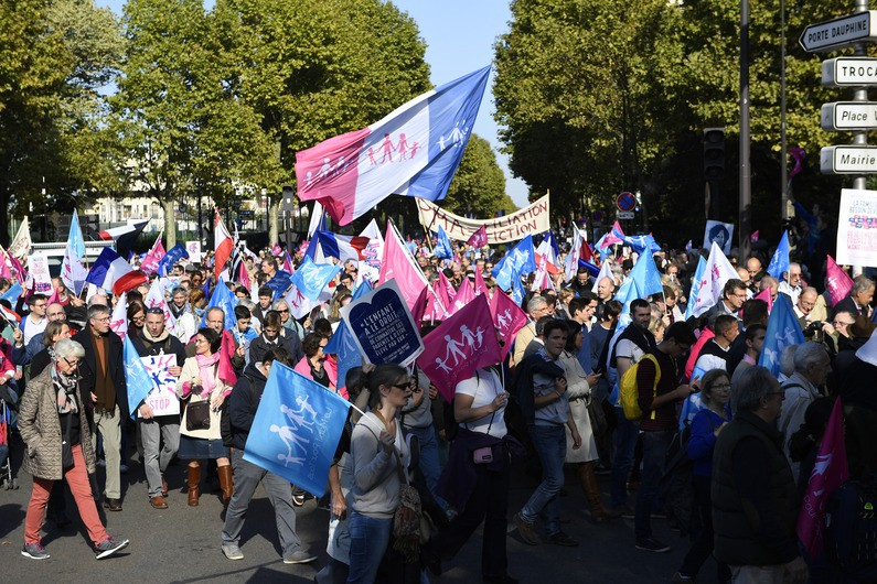 FRANCE-SOCIAL-FAMILY-EDUCATION-DEMO